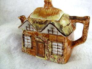 Vintage-1945-Price-Kensington-Cottage-Ware-Unused-Teapot-amp-Lid-Reg-No-845007