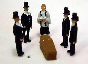 Funeral-Scene-5-Coffin-F64p-PAINTED-OO-Scale-Langley-Model-People-Figures-Metal