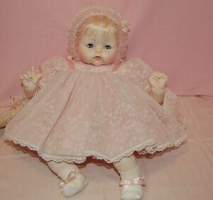 Madame-Alexander-Vintage-1965-Kitten18-034-baby-doll-new-crier-tagged-dress-box