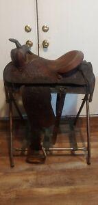 Tex tan saddle