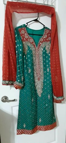 indian Pakistani mehdi party ware suit