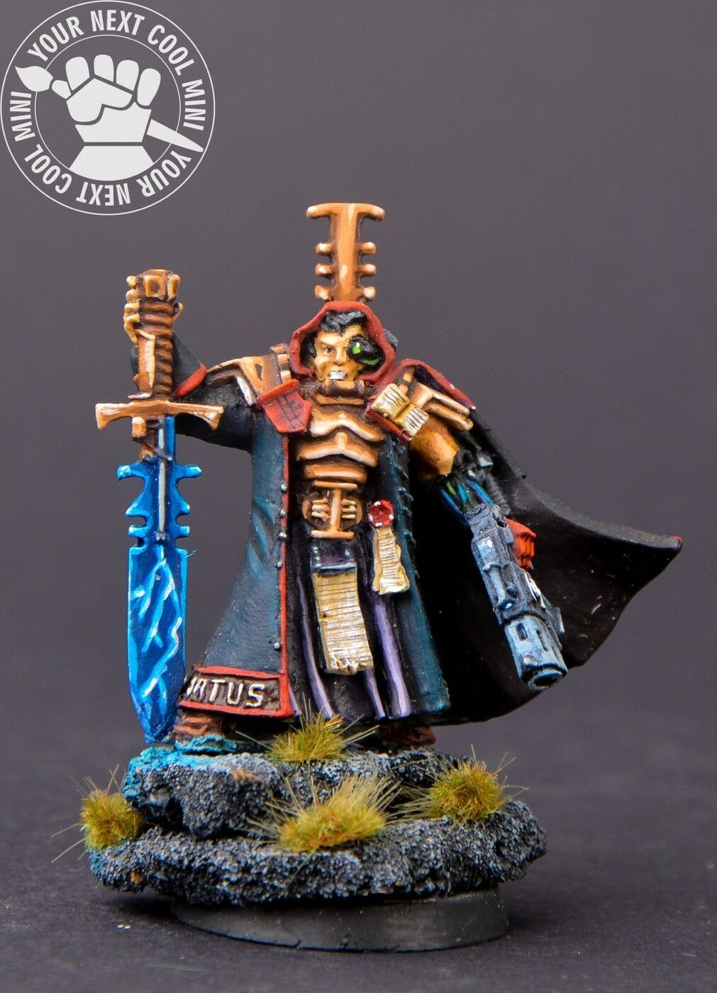 Warhammer 40K Inquisition Inquisitor w Bolt Pistol and Power Sword 1 metal mini