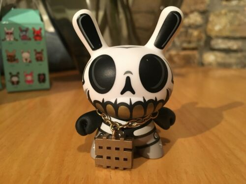 "SERIE 4 dunny 3/"" MAD 2007"