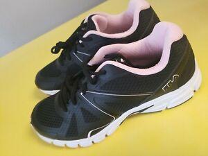Running Shoe Black Pink White