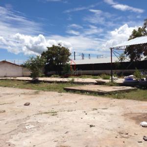 Terreno Venta en esquina Col. Aeropuerto 1,900,000 Alegon R2