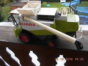 Siku-Maehdrescher-Claas-Lexion-600-M-1-32-mit-Fahrerfigur-ohne-Maehwerk-f-Diorama