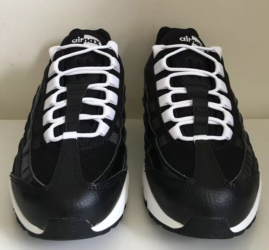 Wmns Nike Air Max 95 Size 4 UK UK UK 37.5 EUR 23.5 CM Black White 307960 db3415