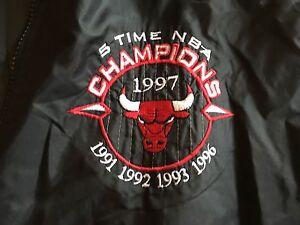 355cc904b Pro Player Chicago Bulls Nylon Jacket XL NBA Michael Jordan 5 Time ...