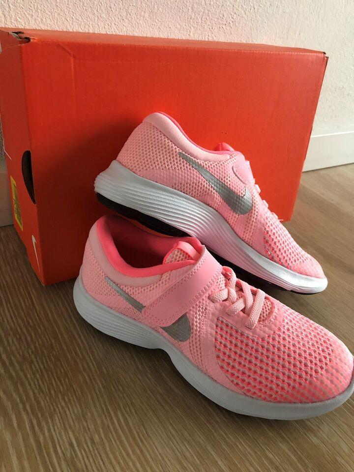 Sneakers, str. 32, NYE Nike