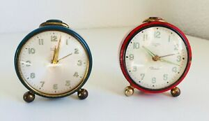 2-Pair-RETRO-RED-amp-BLUE-Alarm-Clock-TITAN-PICCOLO-Vintage-Table