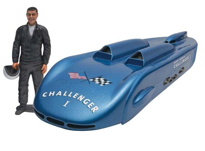 2013 Revell 1 25 Challenger 1 con   Mickey Thompson Figura Kit de Modelismo Caja