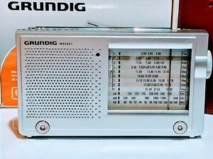 Grundig Yacht BOY 10  WR5401 World Receiver Radio Portatile Multibanda