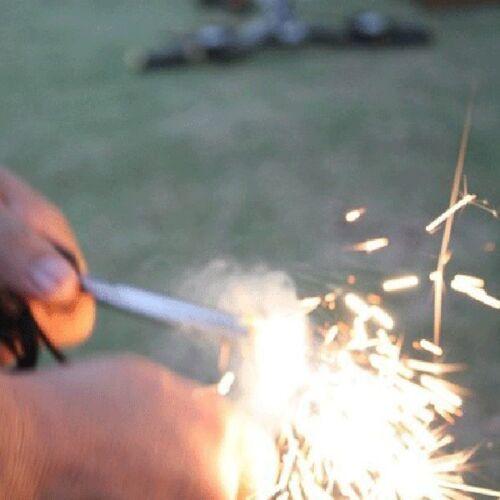 1ST Magnesium Flint Stein Feuer Starter Feuerzeug überleben Ausrüstung am Besten
