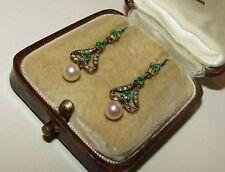 Elegante, Victoriano, 9 CT Pendientes de oro con esmeraldas, diamantes y perla natural