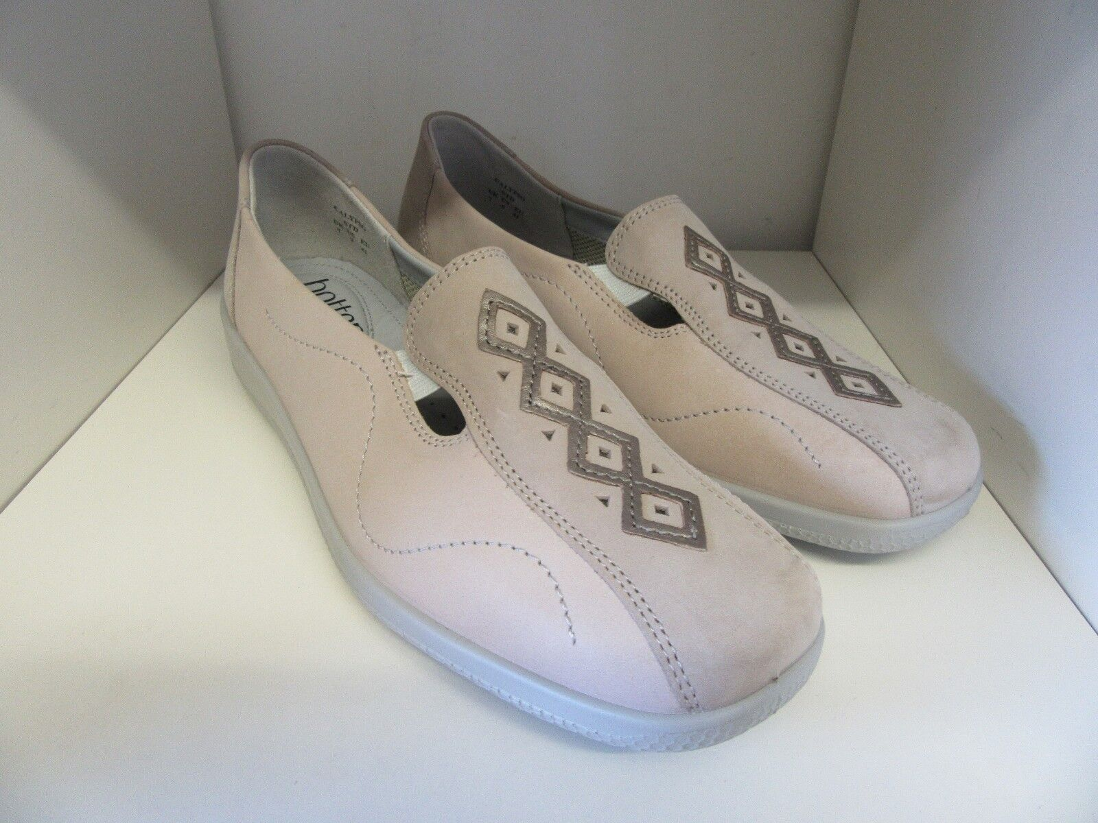 HOTTER CALYPSO BEIGE NUBUCK LEATHER SHOE SIZE 7 STANDARD - BRAND NEW