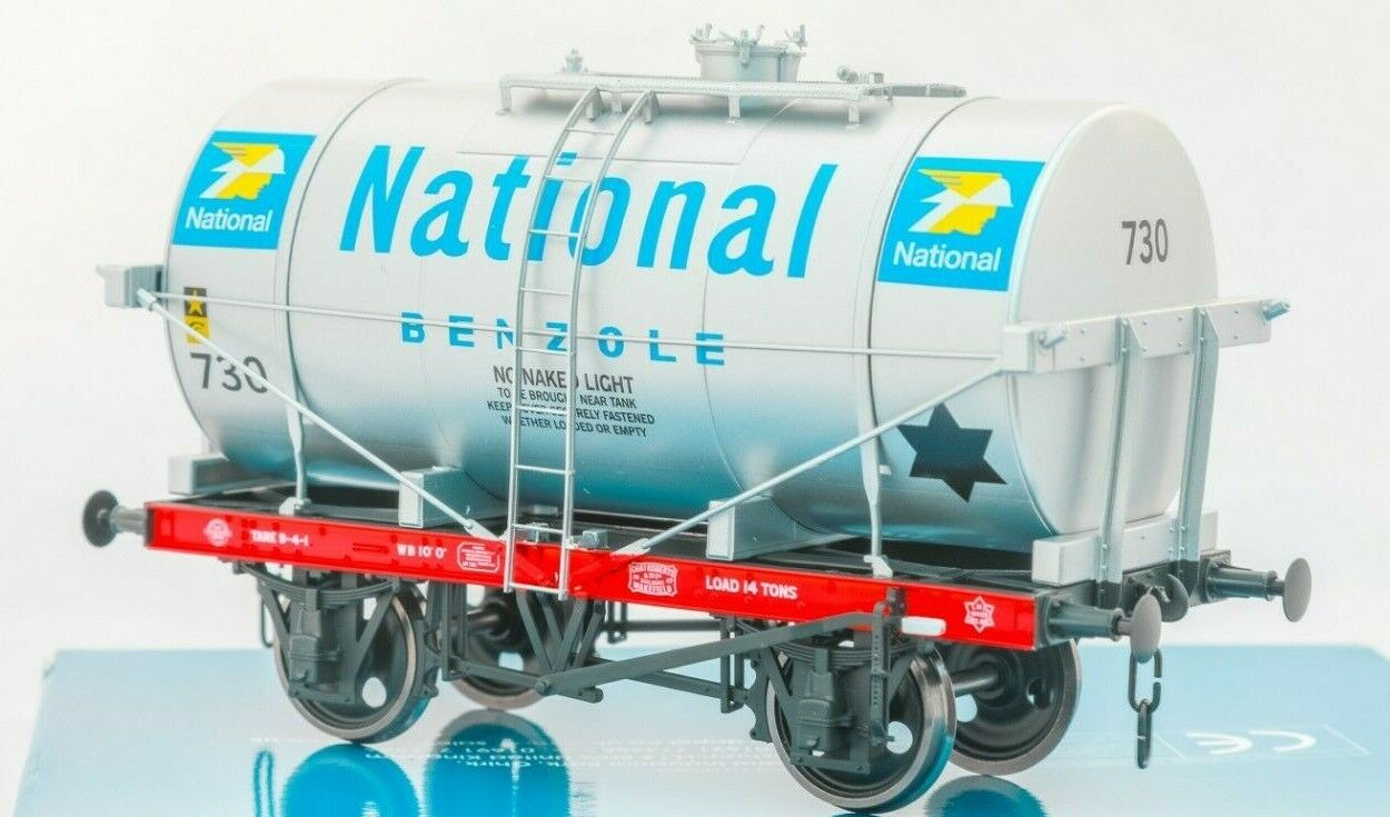 Dapol O Gauge 7F-058-008, 14Ton SWB classe A A A  Tanker Wagon 'National Benzole' c43cc3