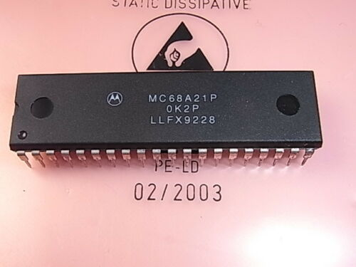 MC68A21P Peripheral Interface Adapter PIA Motorola DIP-40