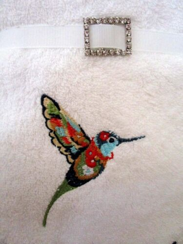 """HAND TOWELS X 2 /""""EXOTIC BIRD/"""" 170G SOAP BAR WITH NAVY RIBBON /& DIAMANTE CLASP"""