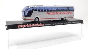 AWM-Bus-Neoplan-N516-Starliner-Europa-Reisen-Muenchen-H0-1-87-Plastik-Vitrine