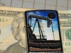 NEW-ZIPPO-USA-Windproof-Oil-Lighter-415718-Oil-Well-Pump-Jack-Street-Chrome-Case