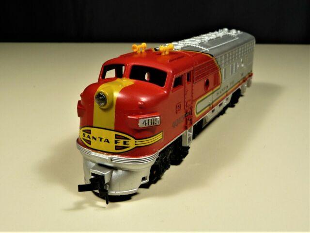 Vintage Tempo Ho Scale Sante Fe 5028 Diesel Locomotive