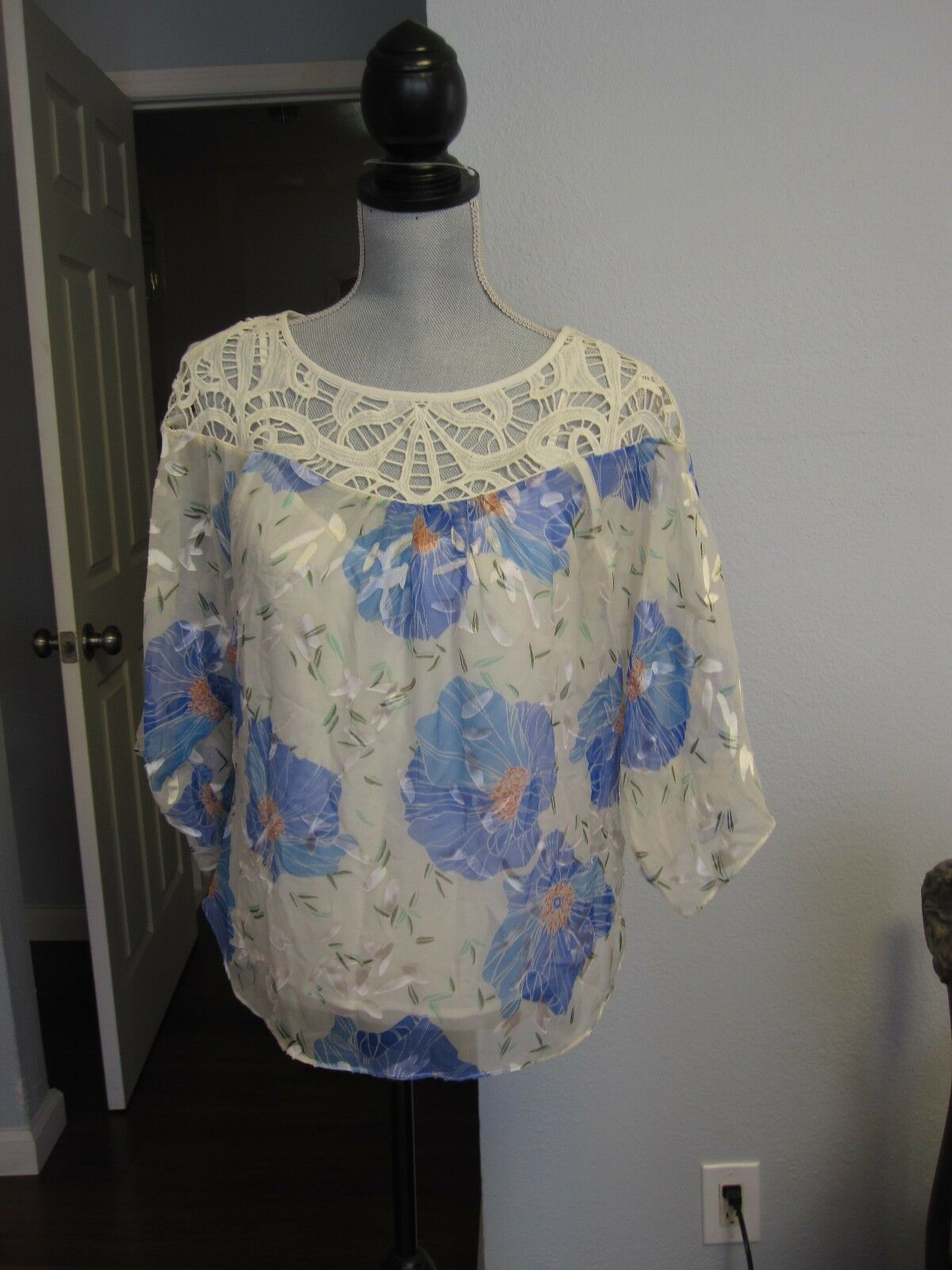 Anthropologie Vanessa Virginia Sz 2 blouse