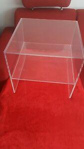 Tisch Mit Fachablage Aus Plexiglasacrylglas Beistelltisch