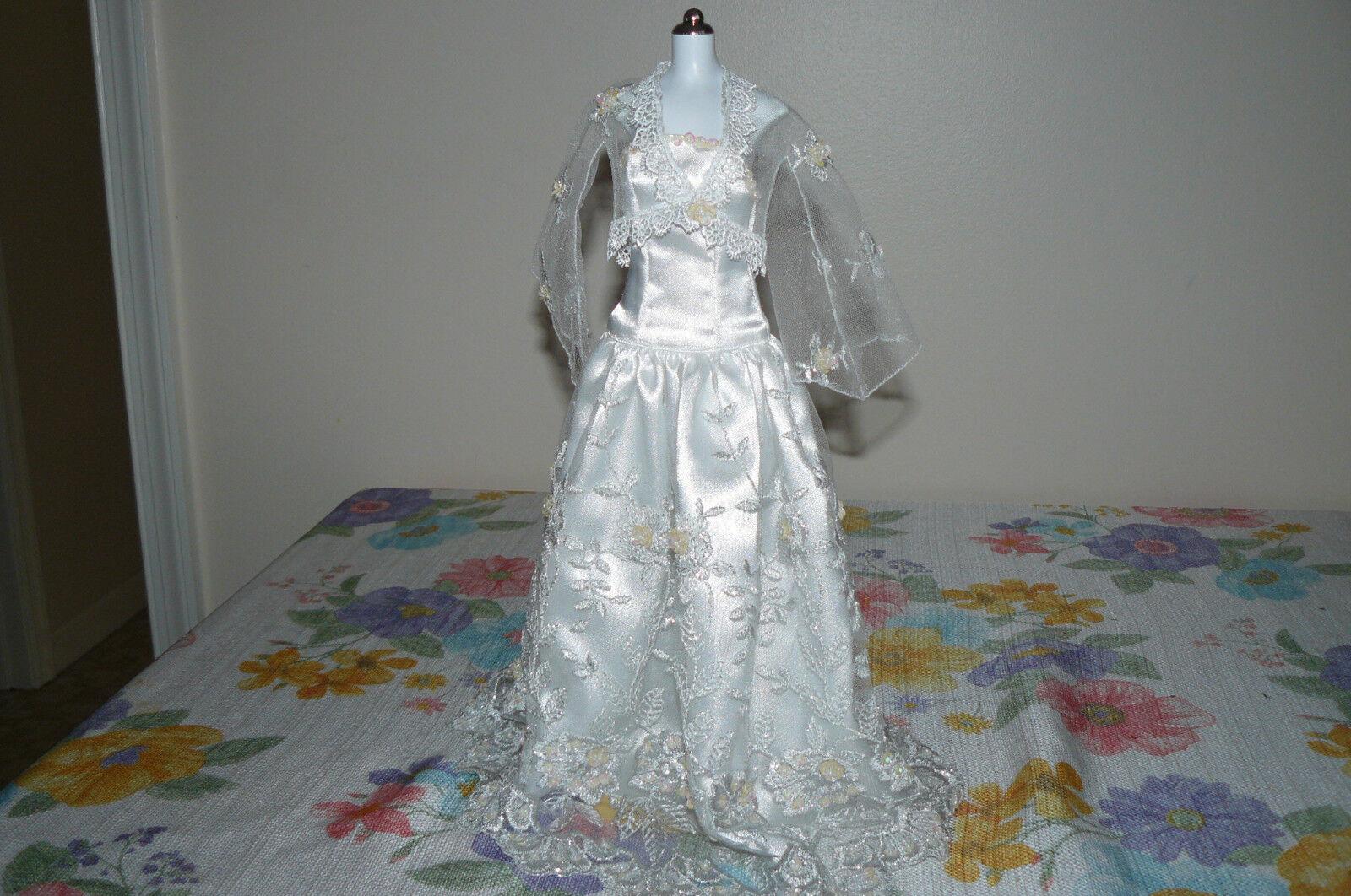 Por encargo del grano re-Bordado Baile Vestido para Muñeca Princesa Diana de FM 16 pulgadas