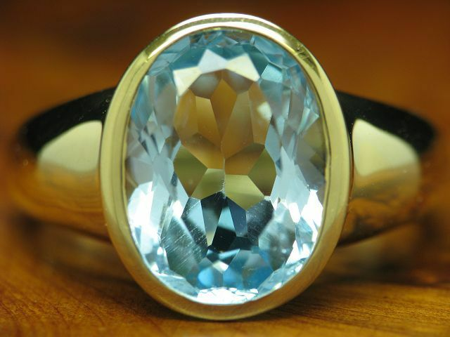 14kt 585 yellowgold RING MIT 6,00ct blueTOPAS SOLITÄR BESATZ   5,8g   RG 56