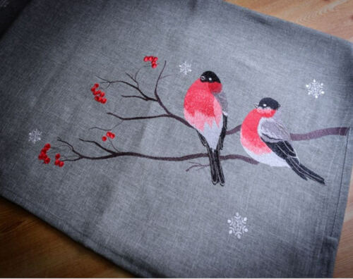 Red Robin Table TopperBirds85x85cm SqDecorative with Bold Embroidery