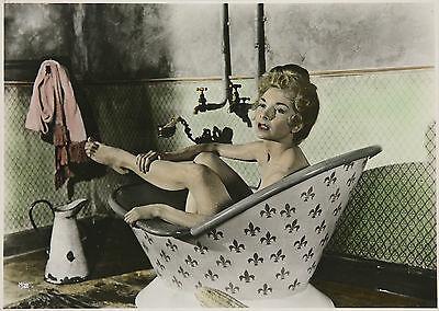 Mit Einer Hungrigen Blondine In Der Badewanne