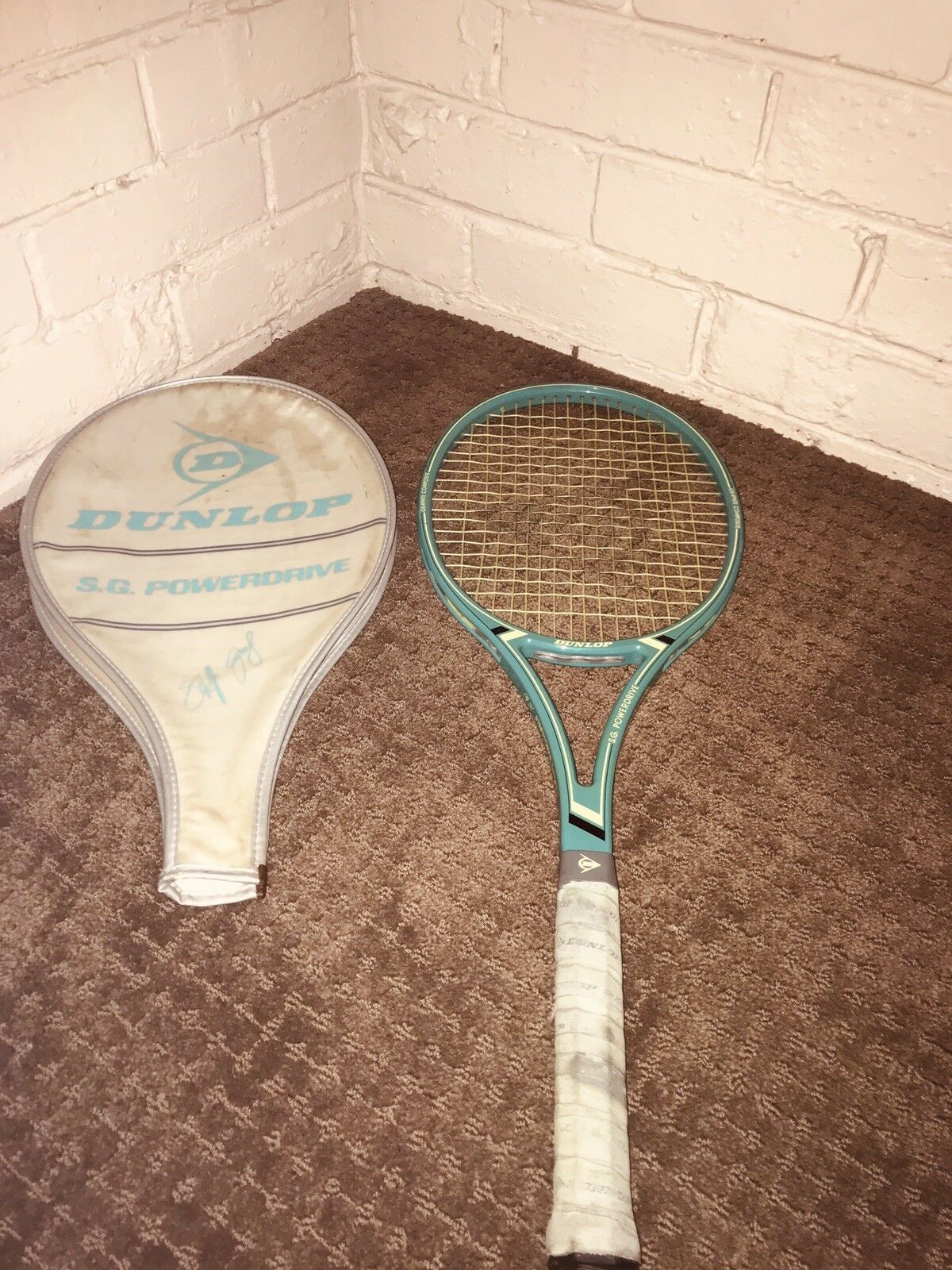 Dunlop Steffi Graf Powerdrive In Top vintage condition For It's Age-Grip3