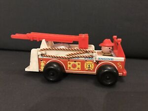 VINTAGE-720-Fisher-Price-Little-People-in-legno-Autopompa-Camion-dei-Pompieri-1968
