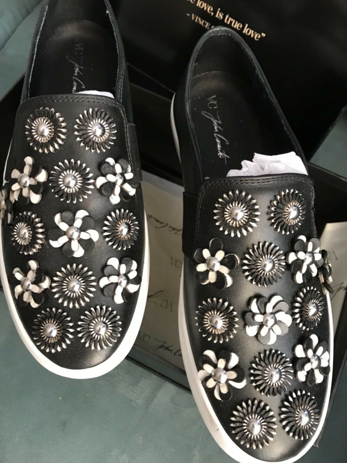 VINCE CAMUTO SNEAKERS FLOWER EMBELLISHED GLOSSY BLACK BLACK BLACK LEATHER SIZE 7 SUPER CUTE 9a7bd9