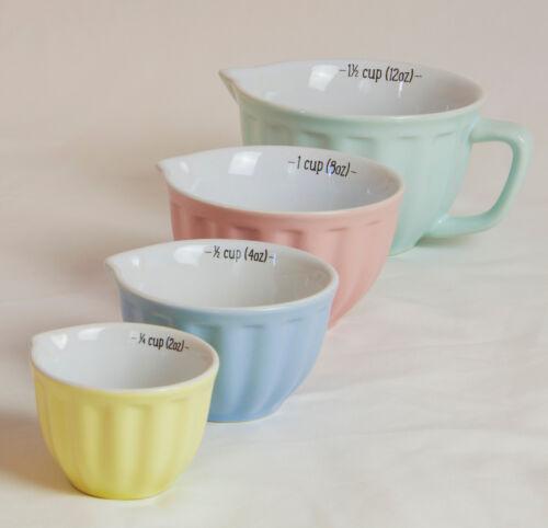 Lot de 4 Retro Pastel de Mesure Cruches tasses en céramique avec coulée becs verseurs