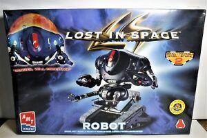 Polar Lights Lost in Space Robot Sealed Model kit