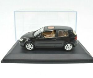 Model-Car-VW-Golf-Series-V-5-Schuco-Scale-1-43-diecast-modellcar-Static