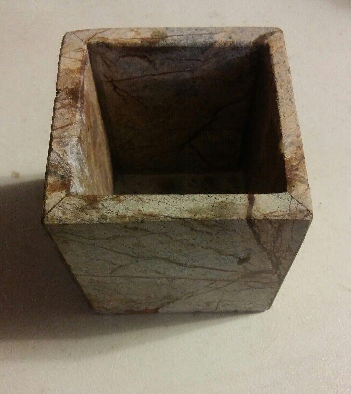 029 Linens N Things NB Beige Jar Square Marble Look Stone India Made