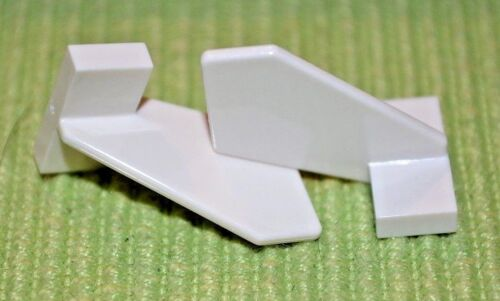 2x3x2 White Airplane Tail Wing Vertical Bricks ~ Lego  ~ NEW ~ 2