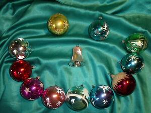 12-alte-Christbaumkugeln-Glas-bunt-rot-rosa-gold-silber-blau-gruen-weiss-Glocke