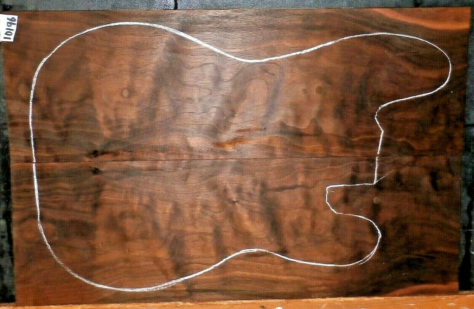 Quiltes Claro Walnussholz 10196 Luthier 5A Grade Guitar Top Set 22x 14.75x.375