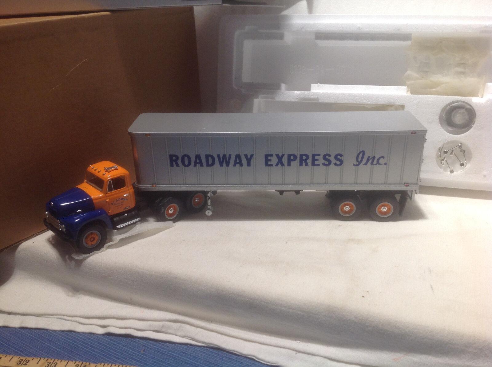 Roadway Express - 1959  International RF-200 T T-FIRST GEAR  19-2067 1 34  les promotions