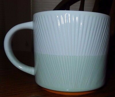 Starbucks 2014 Original Foam Green and White Textured Coffee Mug Tea Cup 14 oz
