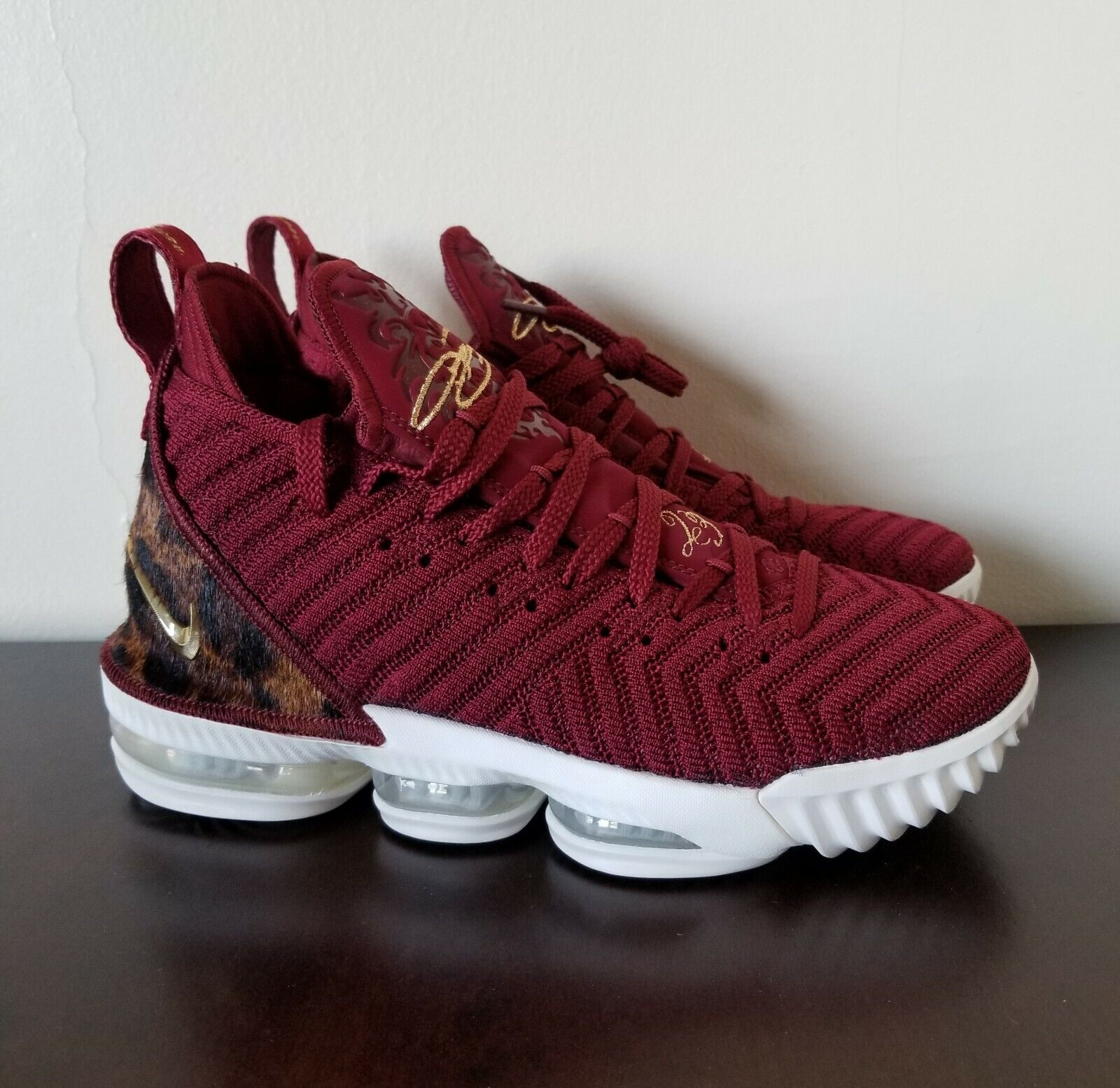 c16bca42ba735 Lebron XVI THE KING Team Red gold Leopard Print LTD Men s Sz 7 AO2588-601