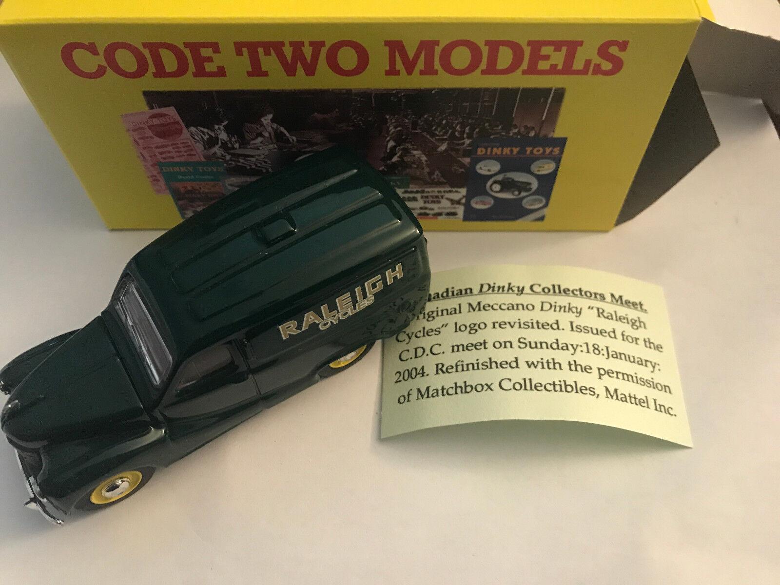 Rare, dy-15 Austin a 40  Raleigh  verde, Dinky, código 2, w. Box