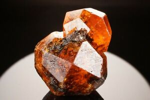 EXTRAORDINARY-Large-Orange-Spessartine-Garnet-Crystal-LOLIONDO-TANZANIA