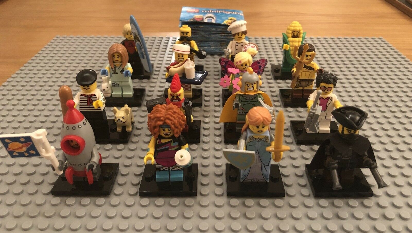 LEGO Series 17 Minifigures 71018 Complete Set. Brand New. Boxed