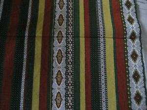 tissu-vert-rouille-blanc-et-ocre