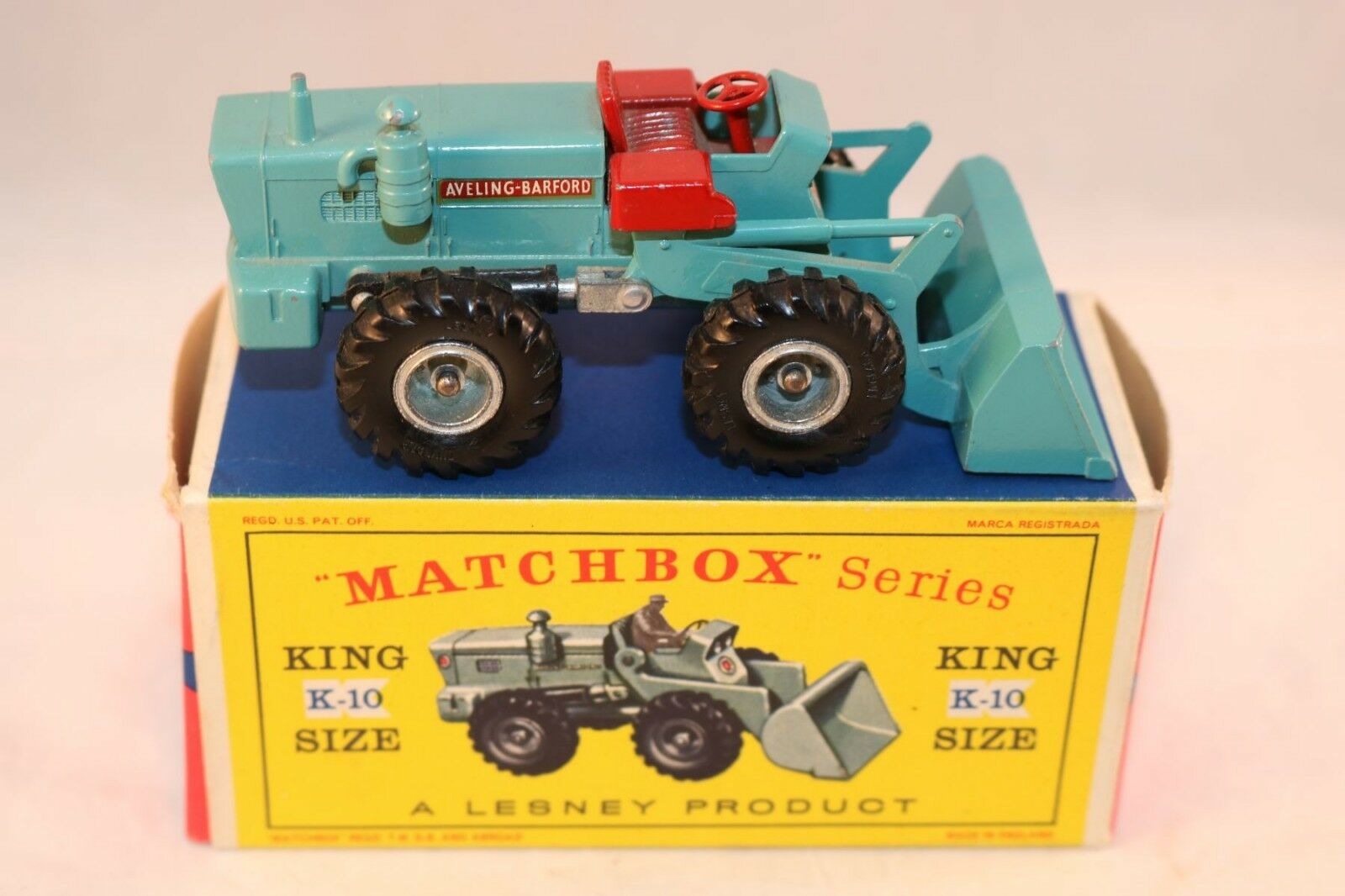 Matchbox No K10 K 10 Aveling Barford tractor shovel very near mint in box
