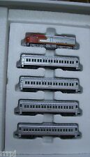 N SCALE SANTA FE TRAIN SET  MEHANO   NEW IN BOX # F2 LOCO & 4 COACH CARS #NND100
